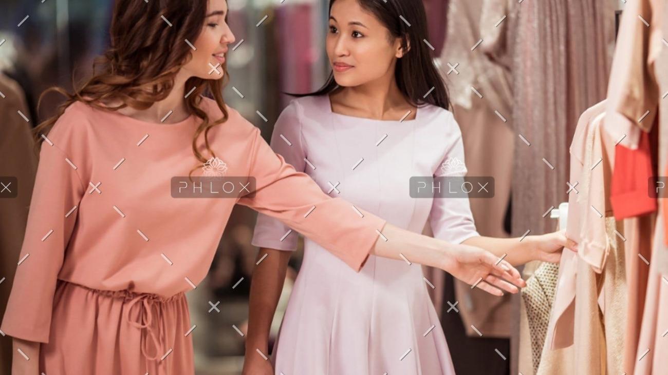 demo-attachment-87-attractive-girls-in-the-store-A5GF4WC