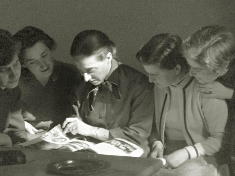 6 DE ABRIL DE 1955. EN ROMA CON MARIA JOSE MONTERDE, ICIAR ZUMALDE, Mª LUISA MORENO DE LA VEGA Y LOURDES TORANZO