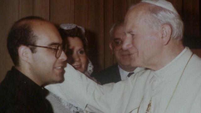 Miguel con S. Juan Pablo II