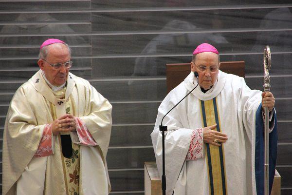 Mons. Gil Hellín y Mons. Javier Echevarría