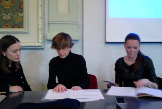De izda a dcha: Mª Elena Vélez, Esther Calderón e Idoia Costa